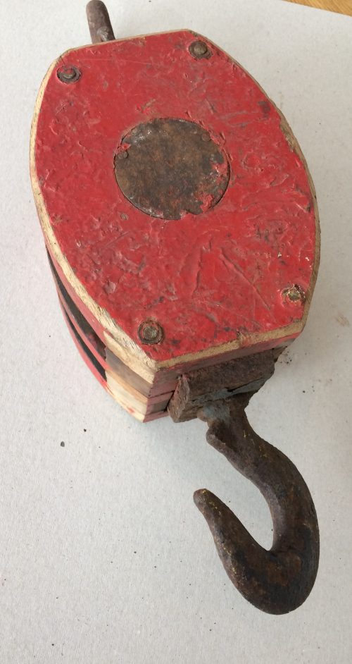 Large Red Pulley with Tackle